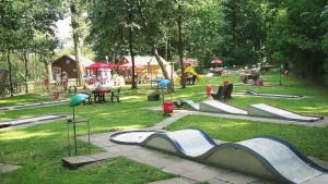 Blick auf die Minigolfanlage in Bilshausen