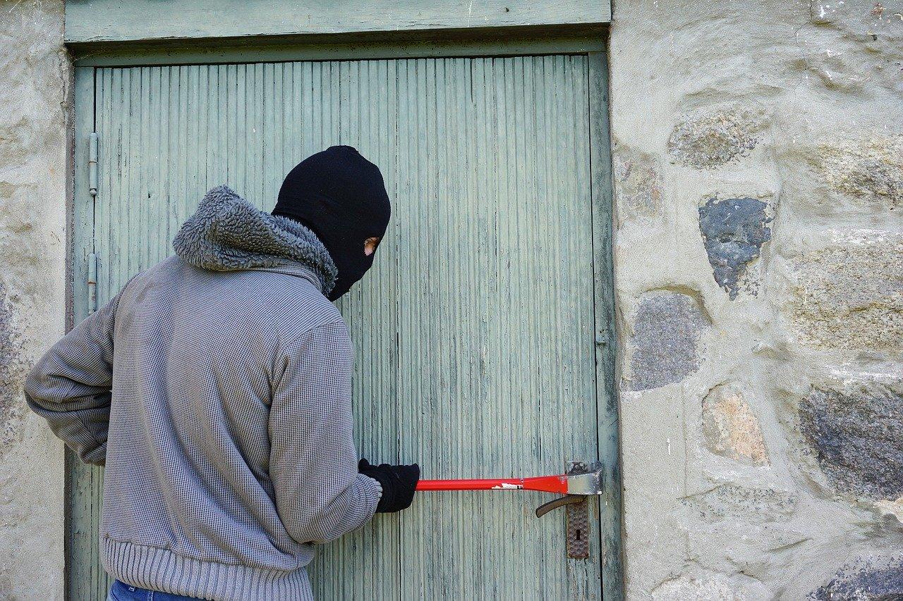Die Polizei in Göttingen warnt: Die Zahl der Einbruchsversuche im Landkreis liegt bei mehr als 400 im Jahr.Foto: Pixabay